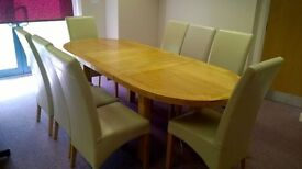 REDUCED! Dining table + 8 chairs