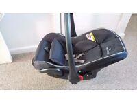 Venicci car seat 0+ From 0-10kg