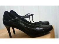 WOMEN'S MARK & SPENCER SIZE 5 OFFICE SHOES