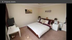 Flat available - 5 mins from station