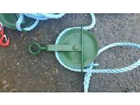 Pulleys with rope. Heavy duty