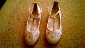 ivory beaded flower girl shoes size 2