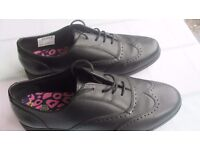 Ladies size 8 brogues
