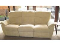 QUALITY G PLAN 4 PIECE ELECTRIC RECLINING SOFA SET