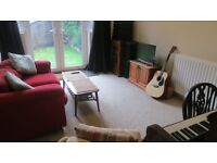 ROOM TO RENT in 3-bed HOMELY house-share with PIANO!!