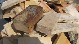 Dry Firewood Offcuts Mostly Fire Size Bags or Trailer load