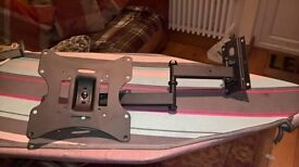 """pull out tele mount was fitted to a 32"""""""