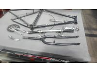 """Marin Bear Valley frame and forks with accessories 19"""""""