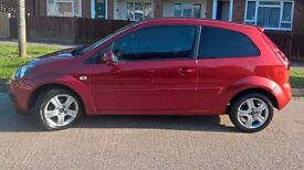 FORD FIESTA ZETEC CLIMATE TDCI, LOW MILEAGE, EXCELLENT RUNNER. 1 YEAR MOT