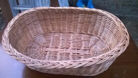 Wicker cat dog basket. (Delivery)