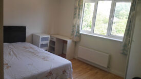 Double spacious bedroom in quite location with big bathroom in Early Reading