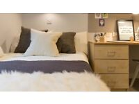 Selling my student flat at Marsden house student qccommodation, bronze en suite £135pw.