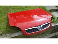 Vectra c bonnet in red