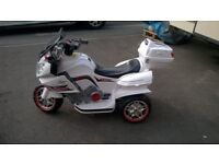Childrens battery motorcycle. American police bike. Good working Order.