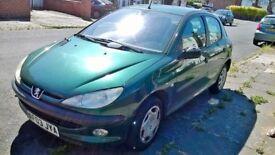 PEUGEOT 206 Green Manual petrol 1.1L 5 DOOR 94000 MILES , DRIVES WELL.