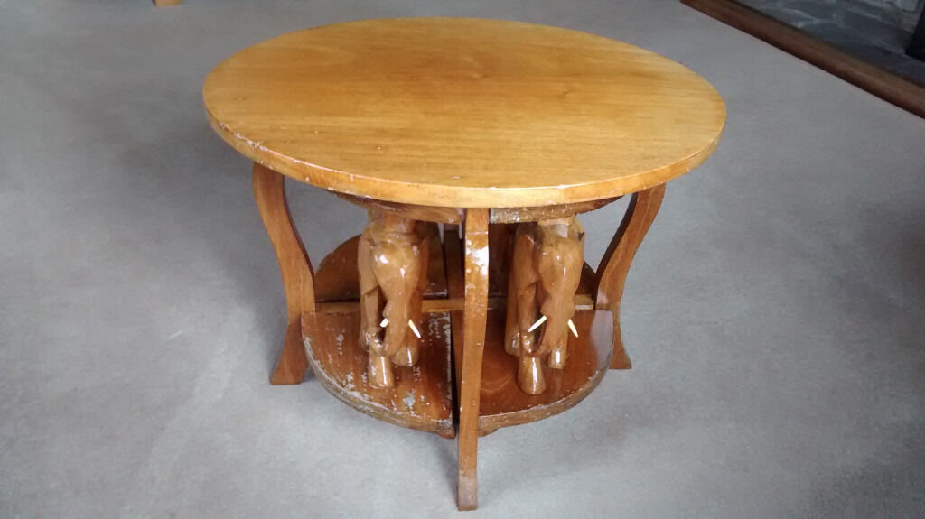 African Hand Carved Coffee Table With 4 Elephants