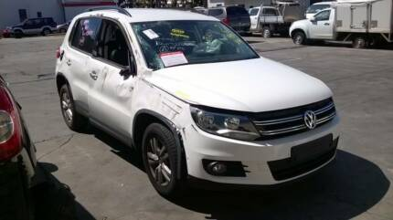 2012 VOLKSWAGEN TIGUAN 2.0 TSI 4MOTION WHITE PARTS FOR SALE