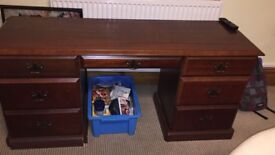 Lovely writing desk with keyboard drawer