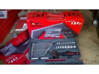 teng 127 piece socket ,spanner set new