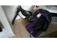 LOVELY CLEAN GRACO CAR SEAT WITH BASE