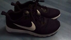 Men's Black Nike Air Max Motion LW Comfort Sockliner UK 10 (Worn Once)