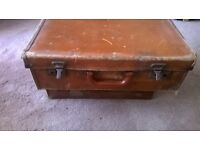 vintage suit cases each sold indivdualy lots of sizes