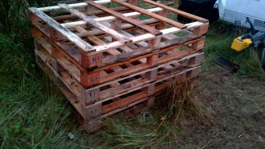 Pallets for sale ideal for diy etcin DundeeGumtree - Pallets for sale ideal for garden / house furniture projects, decking, sheds, log stores, fencing, planters, etc etc 5 pounds each can deliver please contact me on 07564442976 or text me thanks