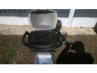 LOVELY WEBER GAS BBQ WITH REGULATOR IDEAL CAMPING , CARAVAN , HOLIDAYS FISHING ECT
