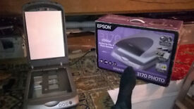 Epson Perfection 3170 NEGATIVE and Photo SCANNER..........