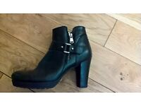 Black Ankle Boots , 6/39