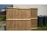 2 6ftw x 5fth fence panels and 3 6ftHX5ftW fence panels