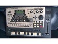 Roland MC-307 Groovebox