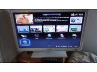 "SAMSUNG 26"" SMART LED TELEVISION - WHITE"