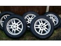 Set of (5) Range Rover 18inch Alloy Wheels Including Pirelli 255 Scorpion tyres