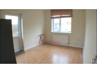 *** one bedroom house with study, garden and drive for only £1100 pcm ***