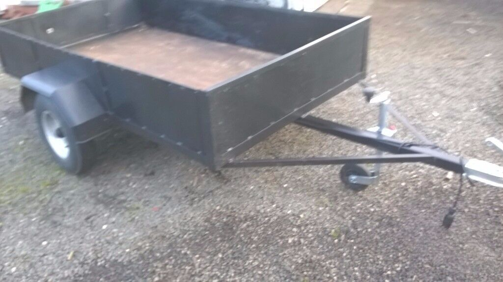 CAR TRAILER FULLY REFURBLISHED 7 FT X 4FT 750 KG GALVANIZED SIDES PLY FLOOR