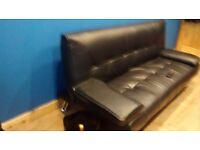 Beautiful black sofa vgc.
