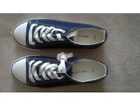 New Look Canvas Shoes Ladies Size 7