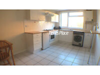 ** 3 dbl bedroom town house with two bathrooms and garden in SW18 for only £1800 pcm ***