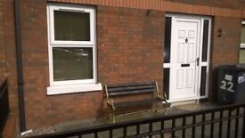 To Let NOW from Owner 4 bed House Central location 5min walk to Europa & centre WIFI ready & parking
