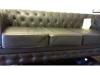 chesterfield 3/2 suite