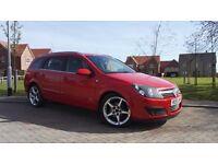 **LOOK** Vauxhall Astra estate Long MOT, 85K, Bluetooth, sat nav, parking sensors,keyless start