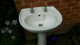 Free sink and taps