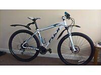 Fuji nevada mountain bike 29 inch wheels