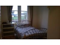 Double room for rent in 2 bedroom west end flat, near glasgow uni, bills included in rent