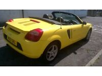 TOYOTA MR2 ROADSTER, 2 SEATER CONVERTIBLE,YELLOW, BLACK LEATHER, LOW MILES. TEL.07803366789