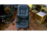 Black Leather Effect Rolling Office Chair in Good Condition