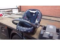 Mama's and Papas Car Seat (including base)