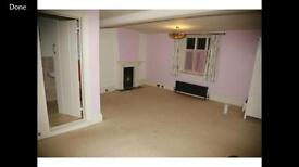 Enormous en suite bedsitting room in stunning farmhouse in Downend for quiet professional female