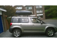 Car Roof Box and Roof Bars for Skoda Yeti.